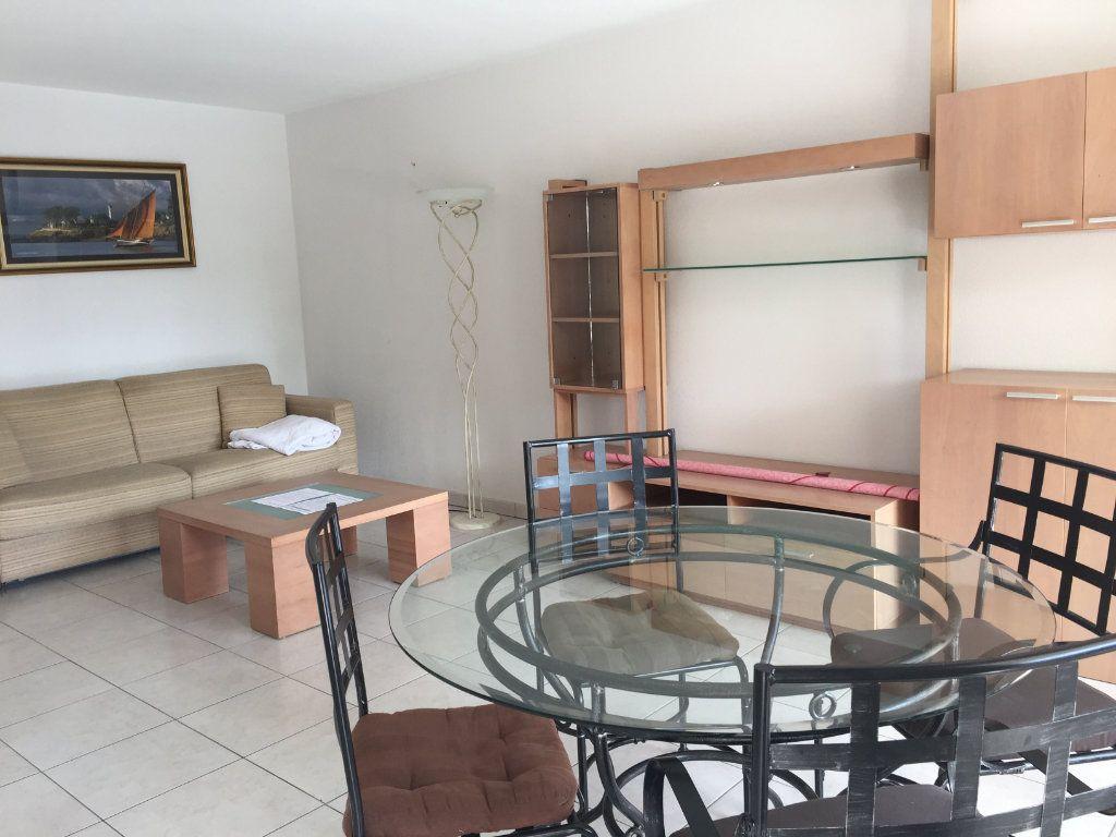 Appartement à louer 2 45.92m2 à Cagnes-sur-Mer vignette-7