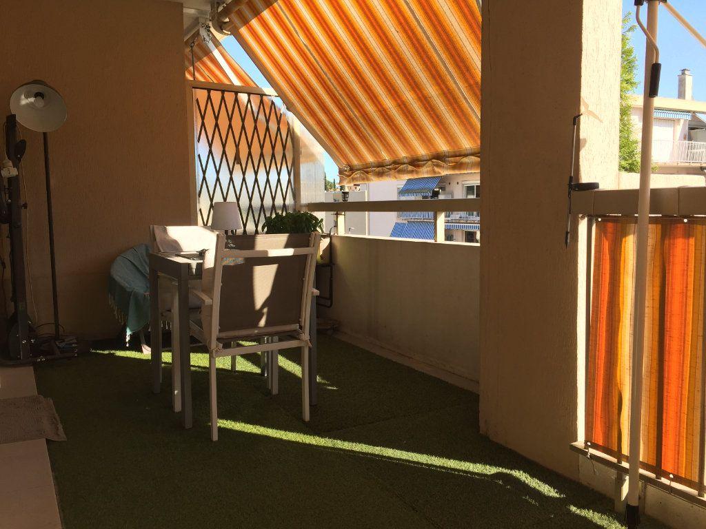 Appartement à louer 2 35.6m2 à Cagnes-sur-Mer vignette-2