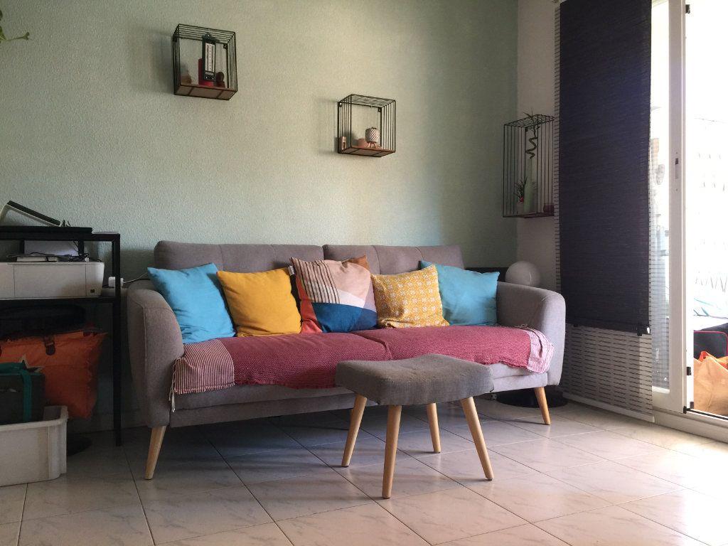 Appartement à louer 2 35.6m2 à Cagnes-sur-Mer vignette-5