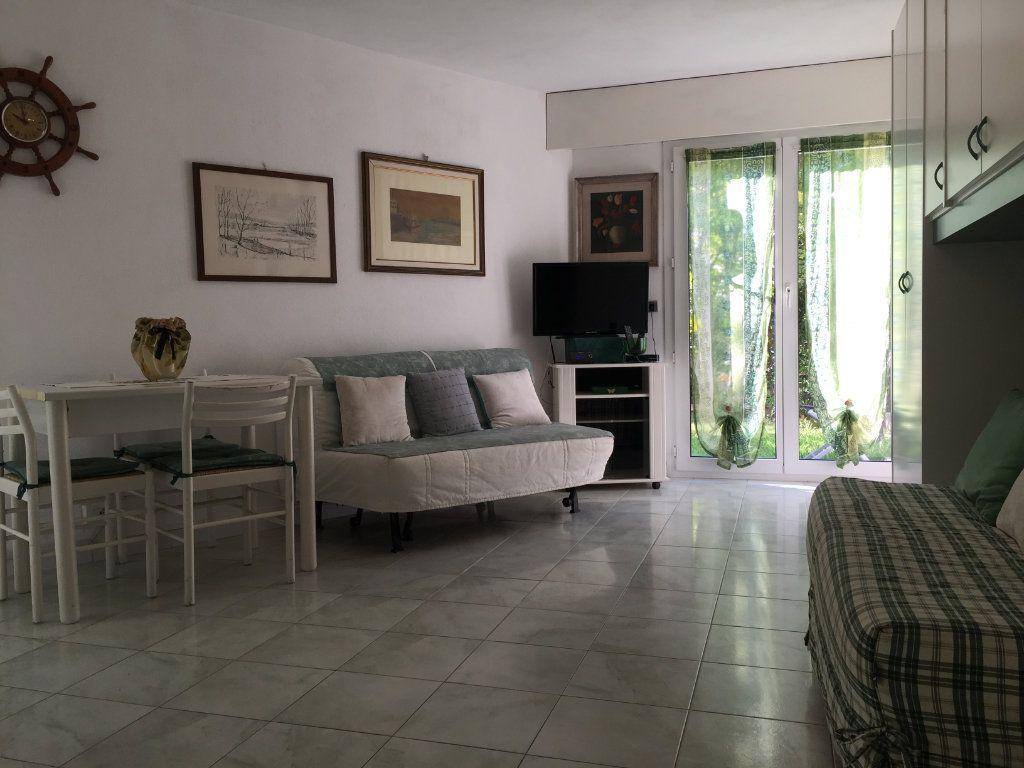 Appartement à louer 1 25.42m2 à Saint-Laurent-du-Var vignette-2