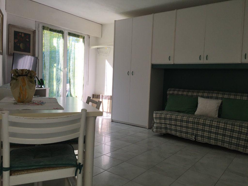 Appartement à louer 1 25.42m2 à Saint-Laurent-du-Var vignette-7