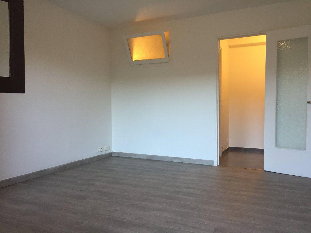 Appartement à louer 1 21.34m2 à Cagnes-sur-Mer vignette-1
