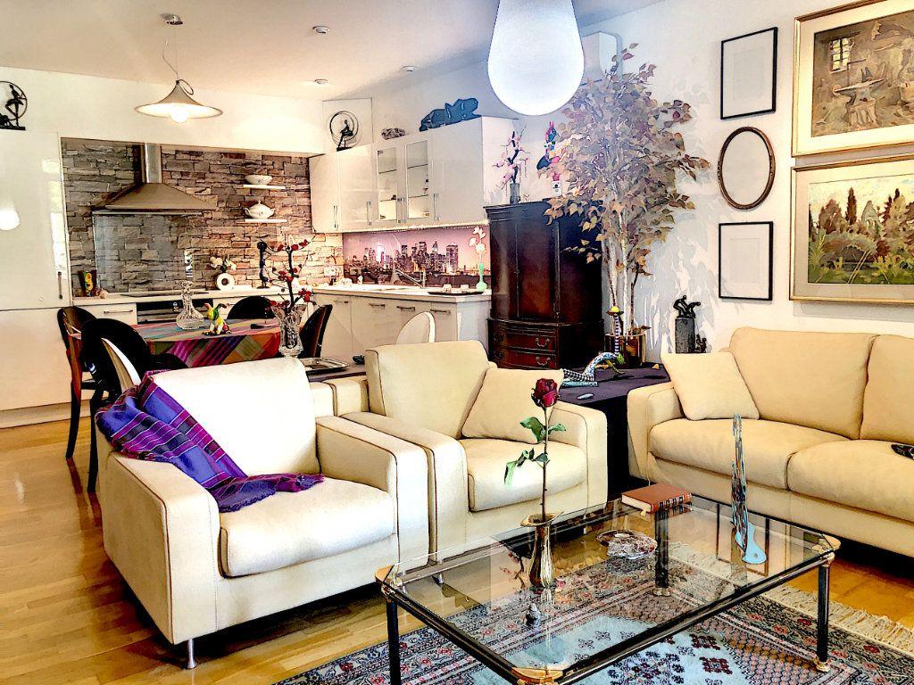 Appartement à vendre 4 113m2 à Nice vignette-1