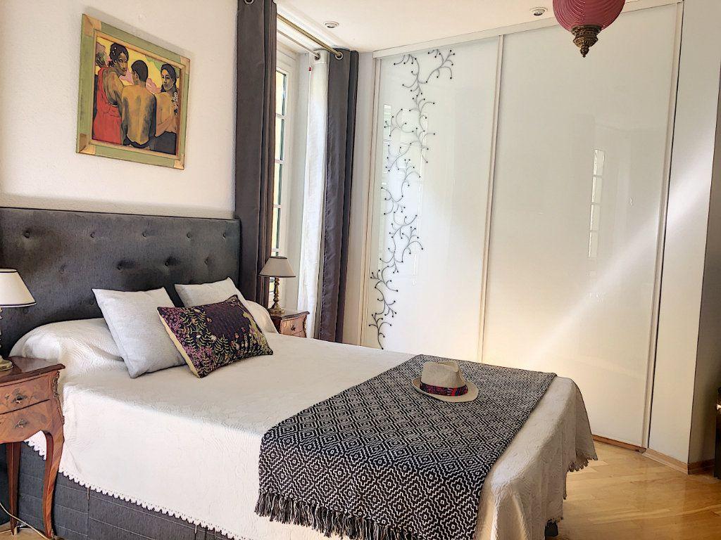 Appartement à vendre 4 113m2 à Nice vignette-3
