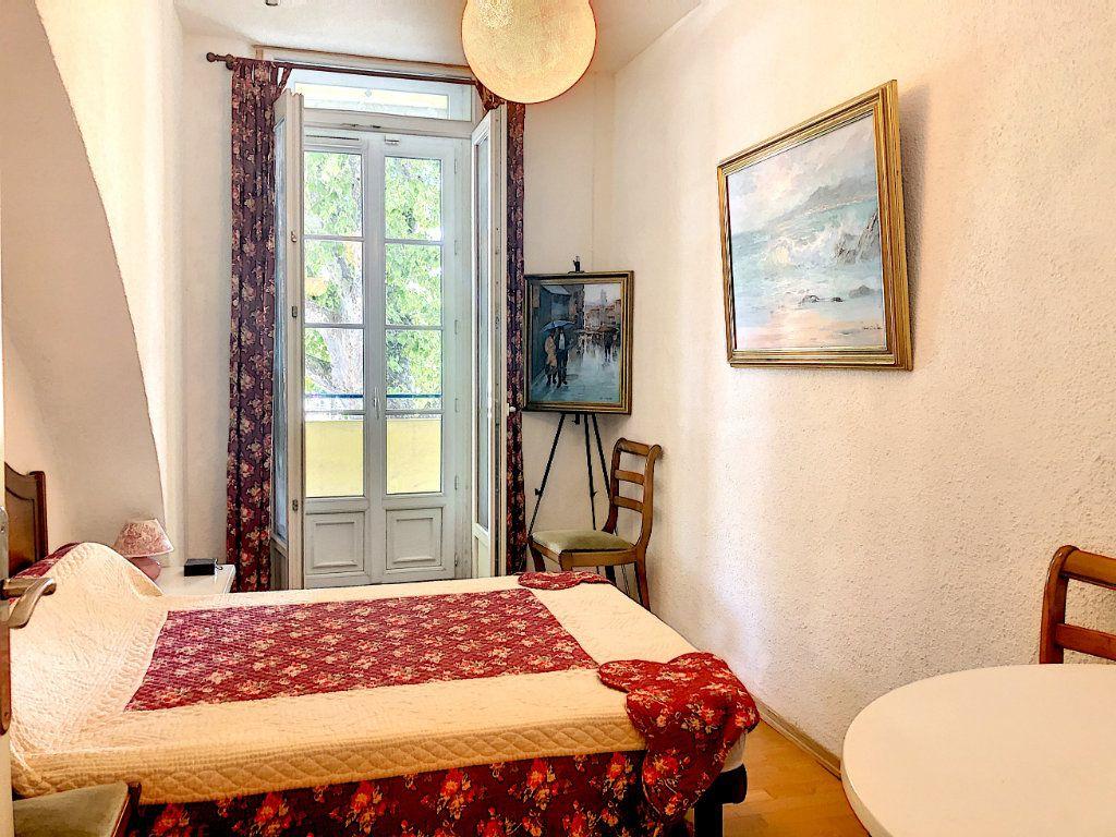 Appartement à vendre 4 113m2 à Nice vignette-5