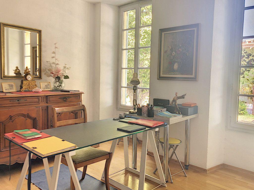 Appartement à vendre 4 113m2 à Nice vignette-9