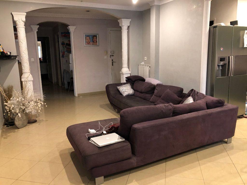 Appartement à vendre 4 80m2 à Saint-Laurent-du-Var vignette-2