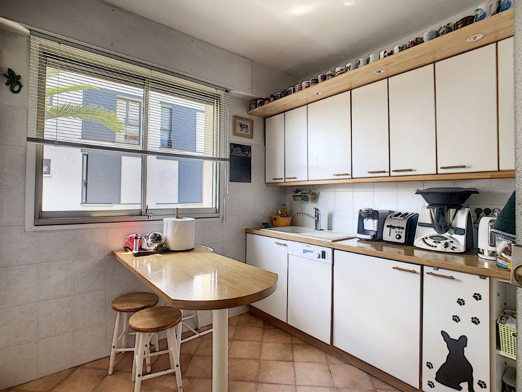 Appartement à vendre 3 73m2 à Nice vignette-6