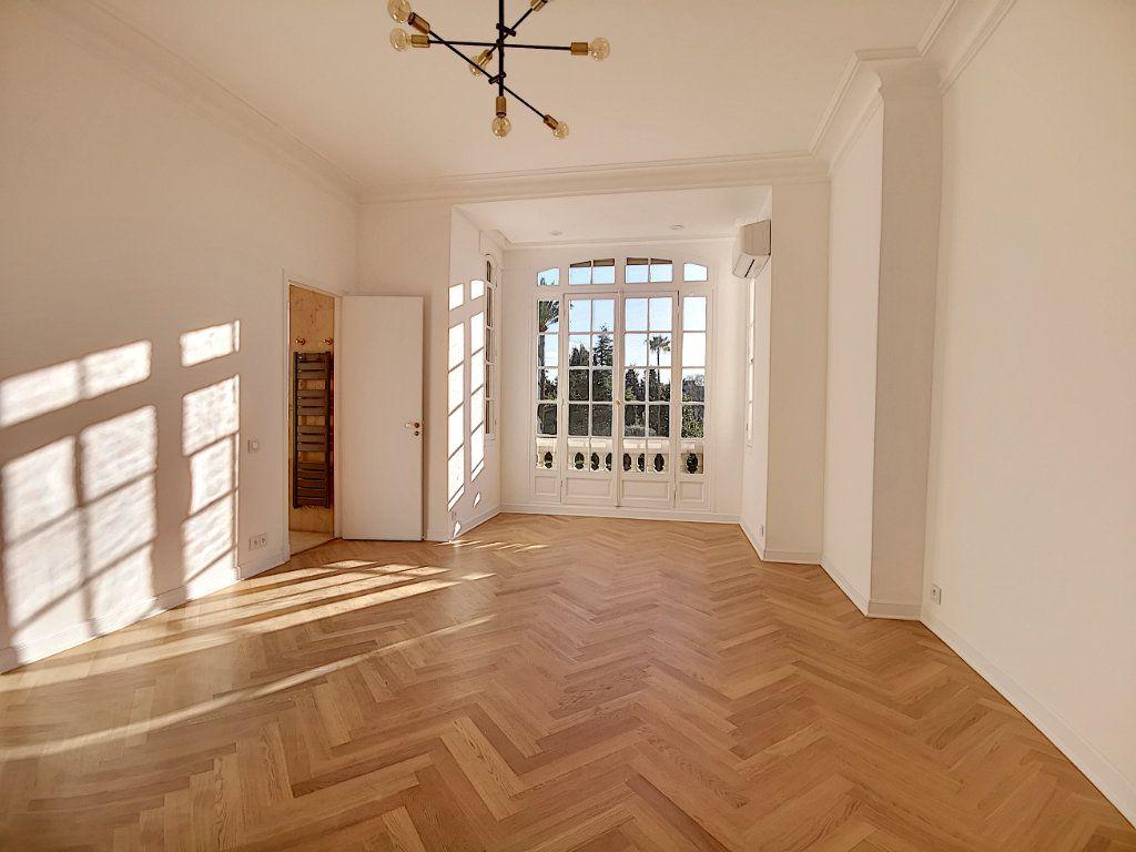Appartement à vendre 4 192.6m2 à Nice vignette-4