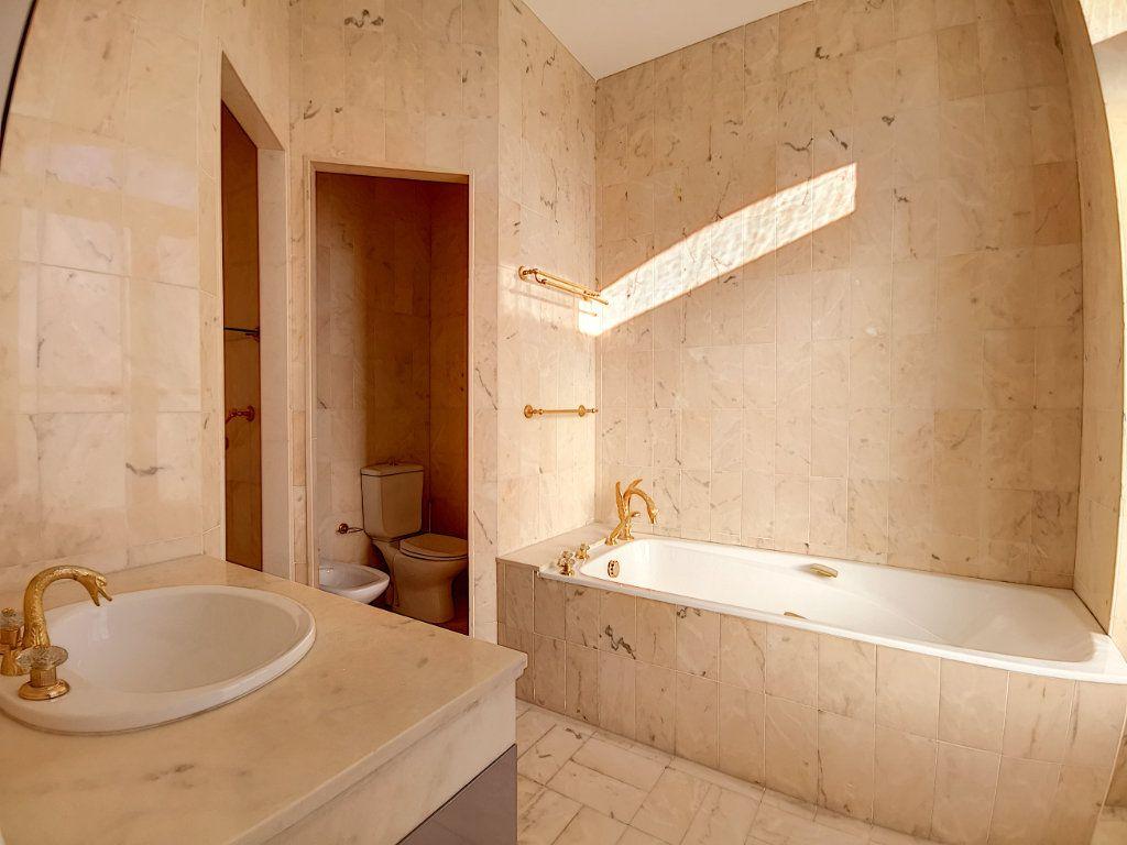 Appartement à vendre 4 192.6m2 à Nice vignette-5