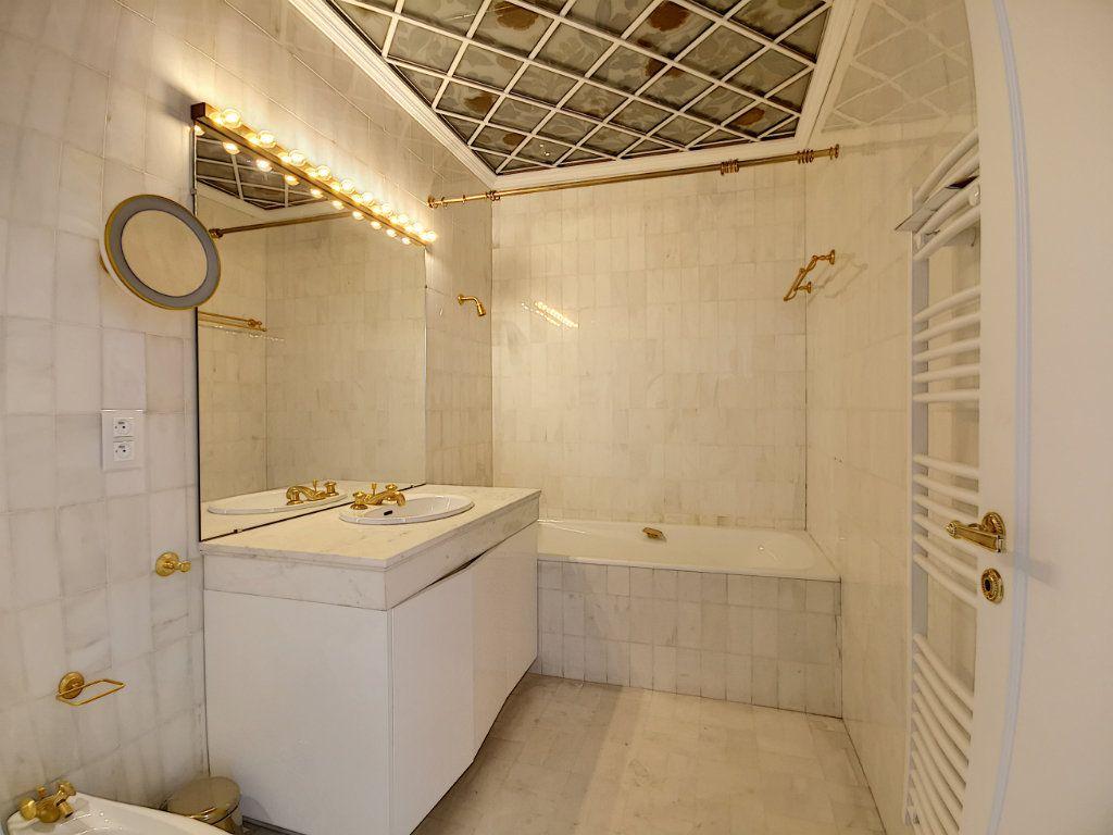 Appartement à vendre 4 192.6m2 à Nice vignette-7