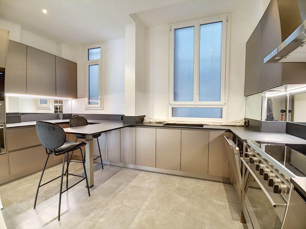 Appartement à vendre 4 192.6m2 à Nice vignette-8