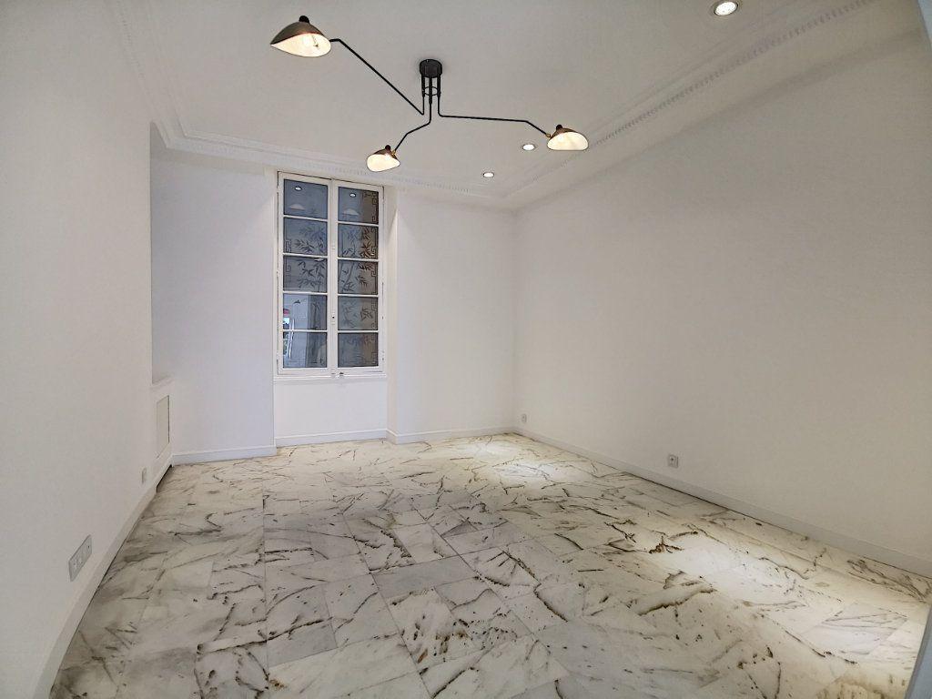 Appartement à vendre 4 192.6m2 à Nice vignette-9