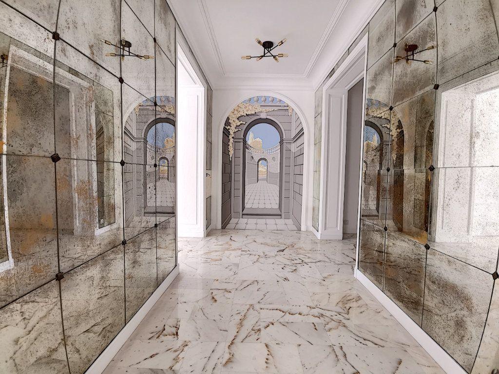 Appartement à vendre 4 192.6m2 à Nice vignette-10