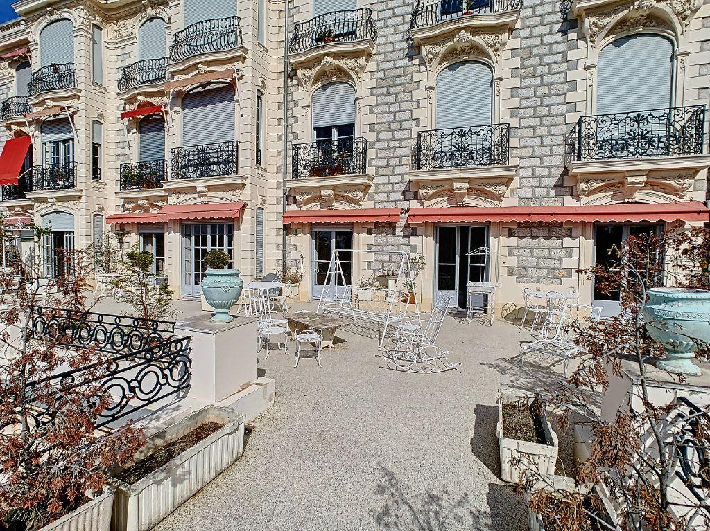 Appartement à vendre 4 192.6m2 à Nice vignette-12