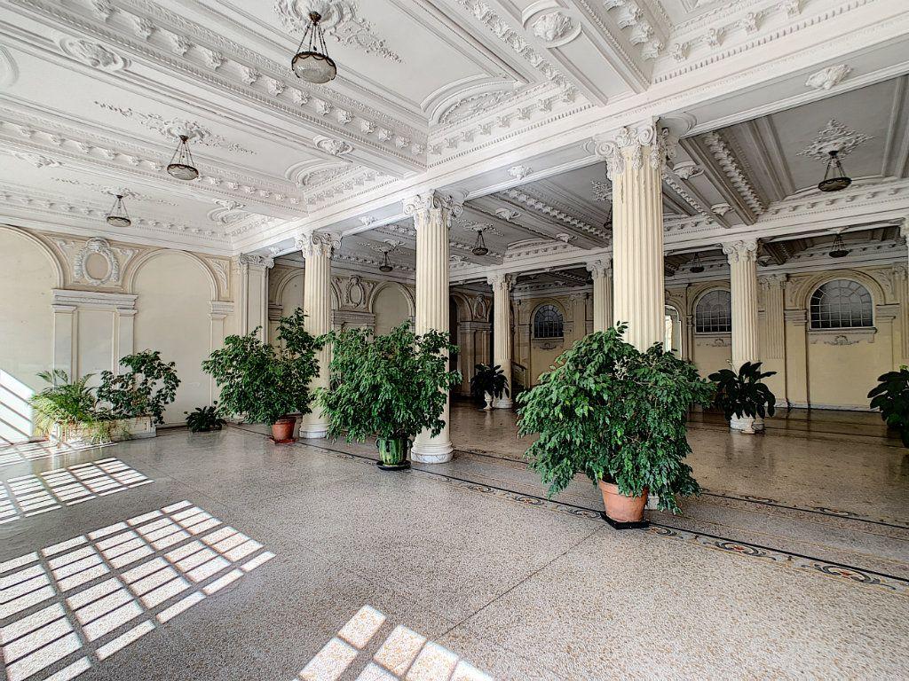 Appartement à vendre 4 192.6m2 à Nice vignette-13