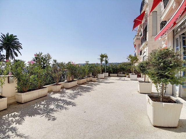 Appartement à vendre 4 186.05m2 à Nice vignette-1