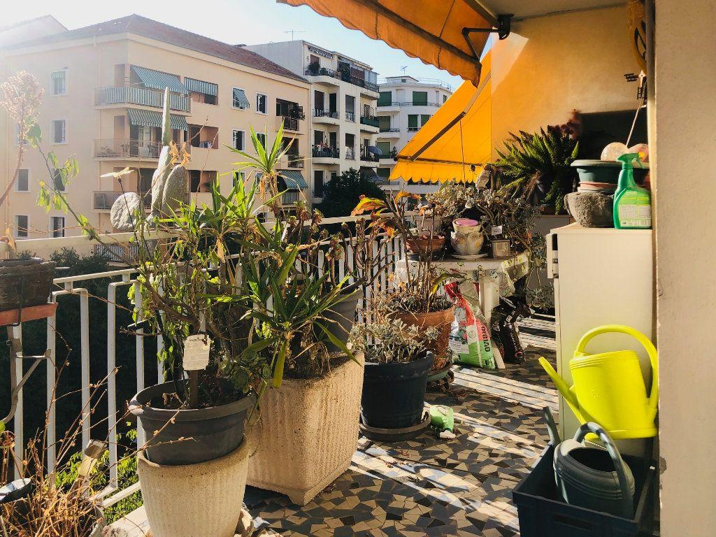 Appartement à vendre 4 85.41m2 à Nice vignette-1