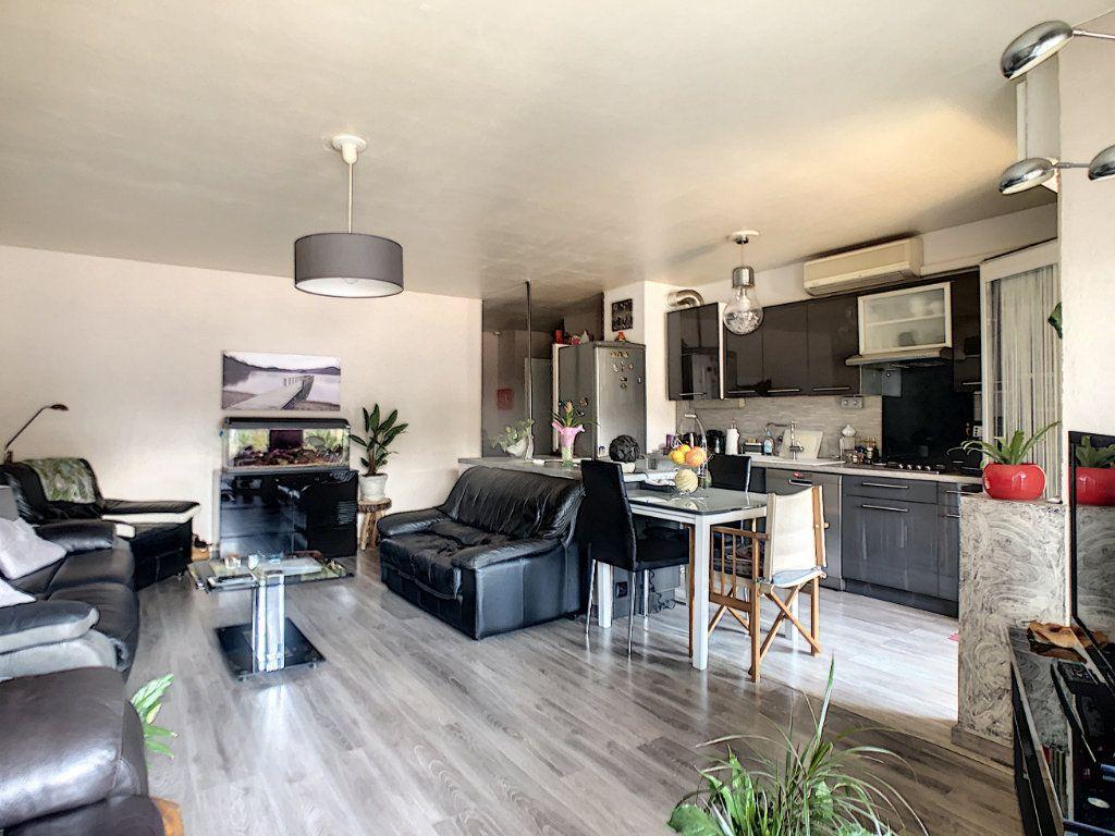 Appartement à vendre 4 73.85m2 à Nice vignette-3