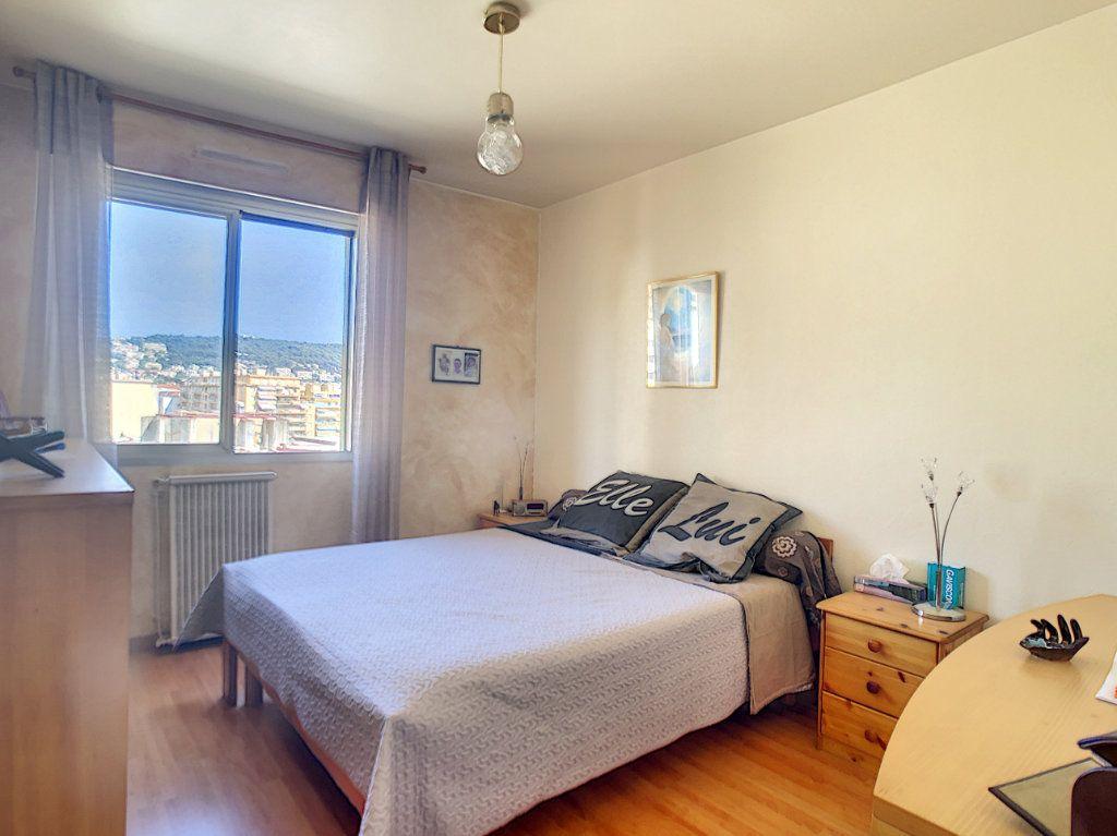 Appartement à vendre 4 73.85m2 à Nice vignette-4