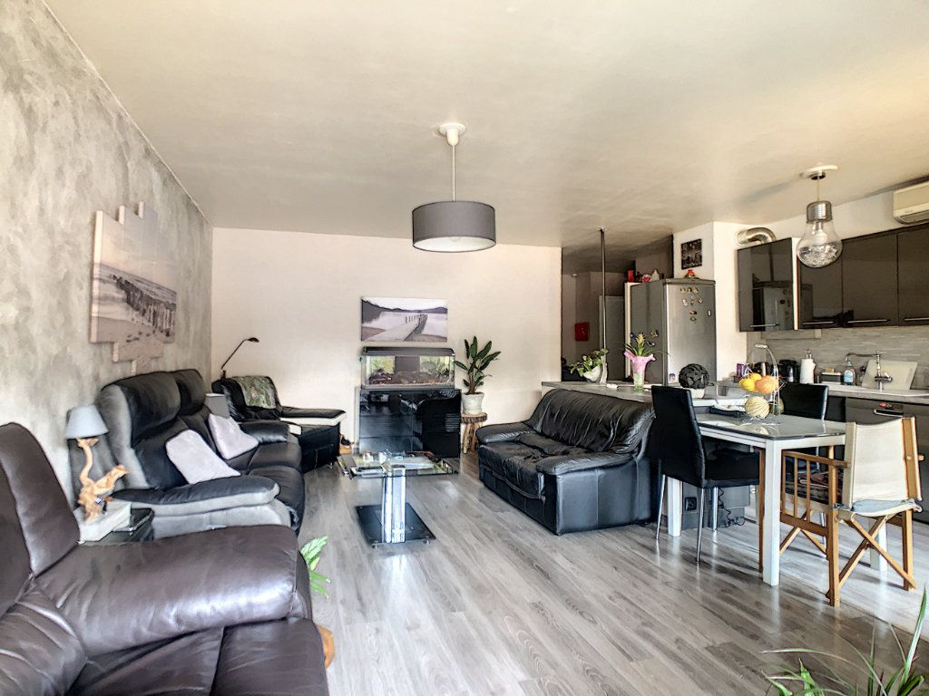 Appartement à vendre 4 73.85m2 à Nice vignette-9