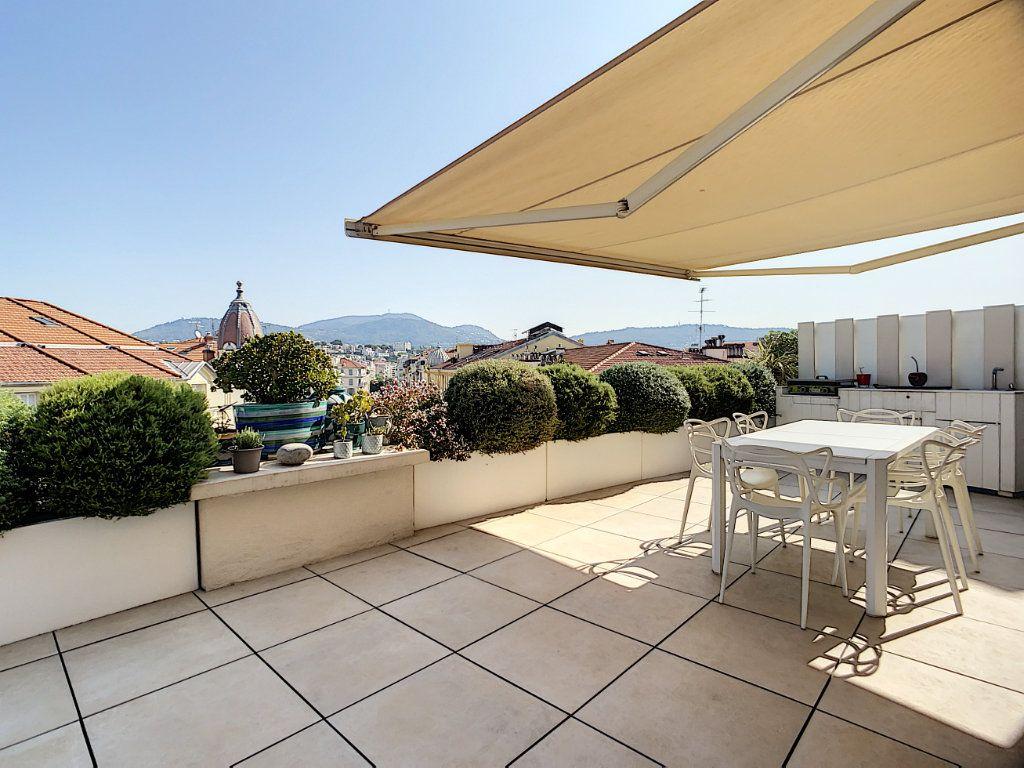 Appartement à vendre 3 61m2 à Nice vignette-1