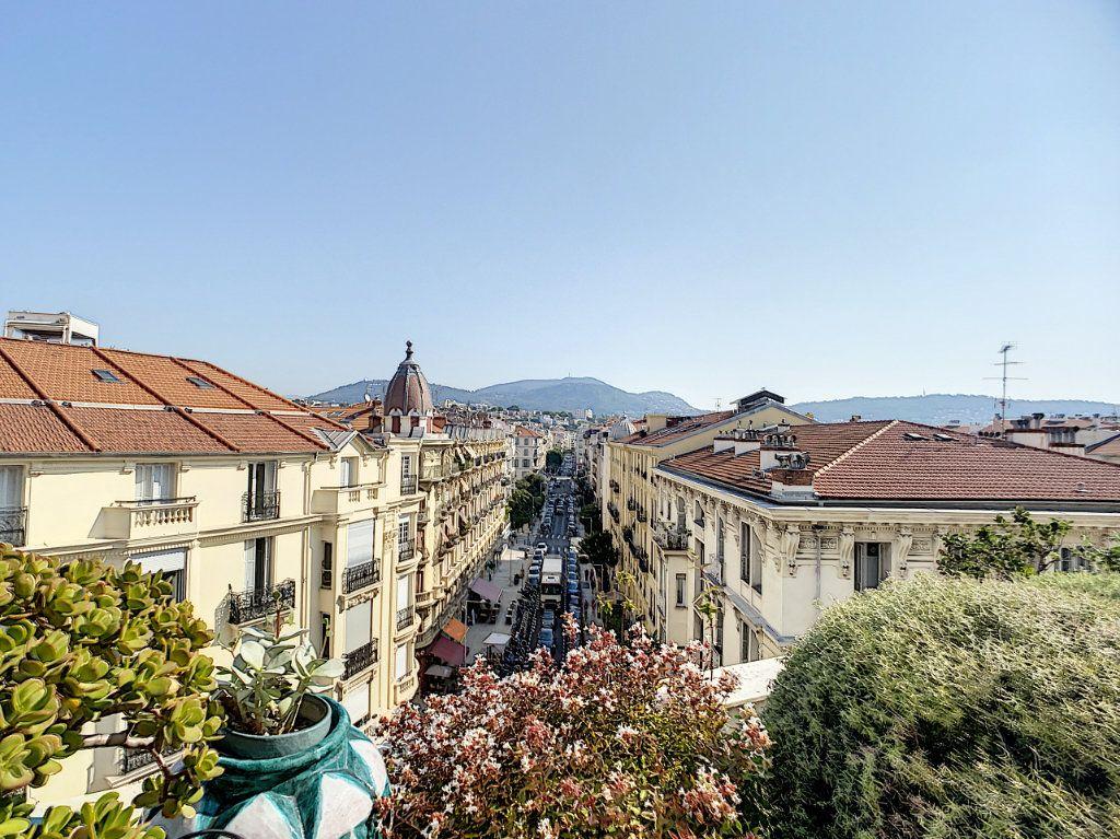 Appartement à vendre 3 61m2 à Nice vignette-2