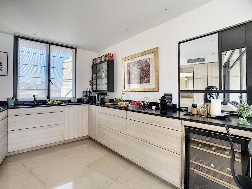 Appartement à vendre 3 61m2 à Nice vignette-4