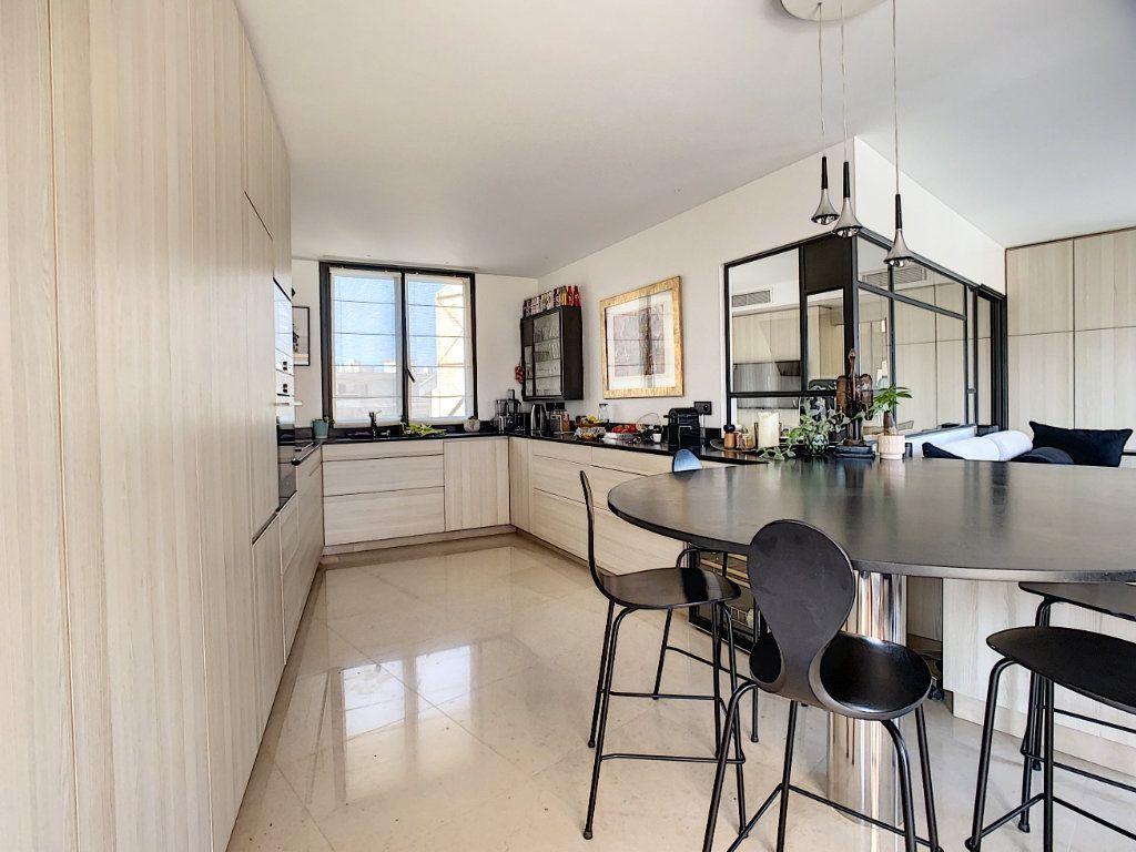 Appartement à vendre 3 61m2 à Nice vignette-8