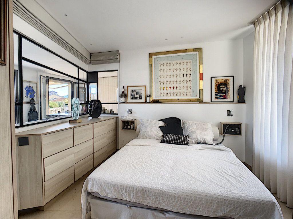 Appartement à vendre 3 61m2 à Nice vignette-11