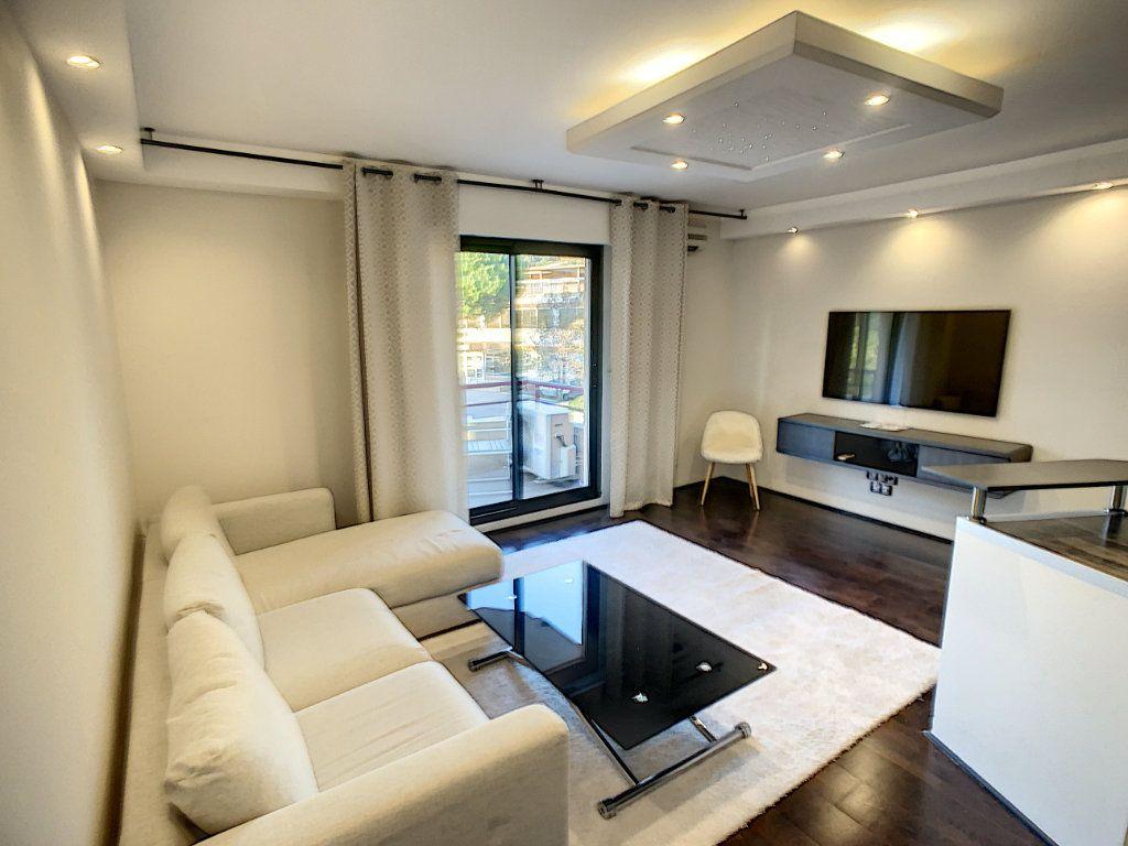 Appartement à vendre 2 43.5m2 à Cannes vignette-2