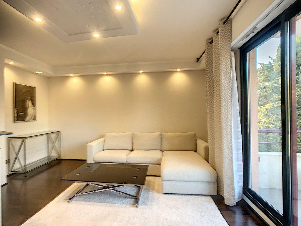 Appartement à vendre 2 43.5m2 à Cannes vignette-4