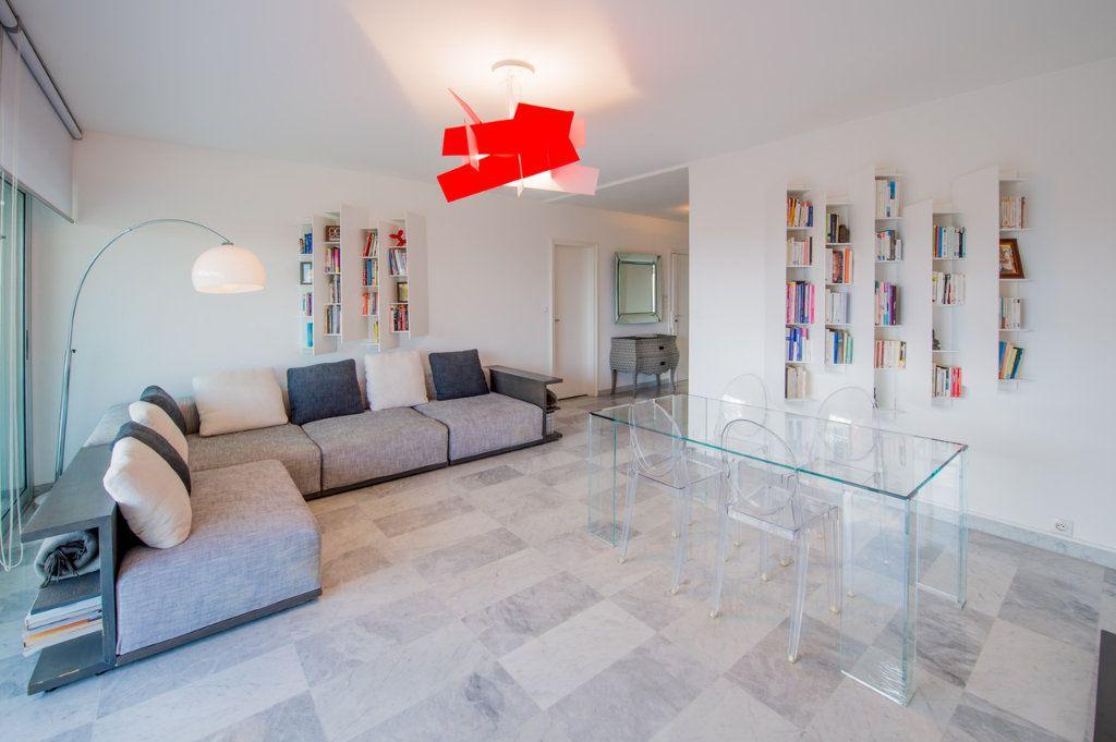 Appartement à vendre 5 120m2 à Villefranche-sur-Mer vignette-3