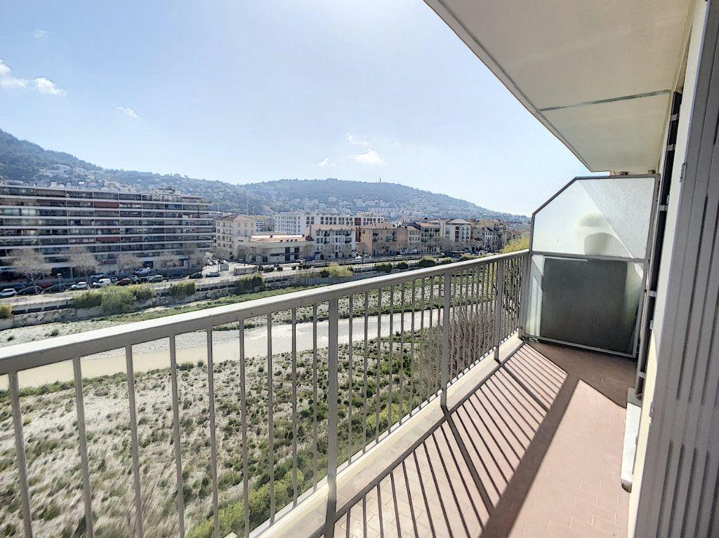 Appartement à vendre 3 67.03m2 à Nice vignette-1