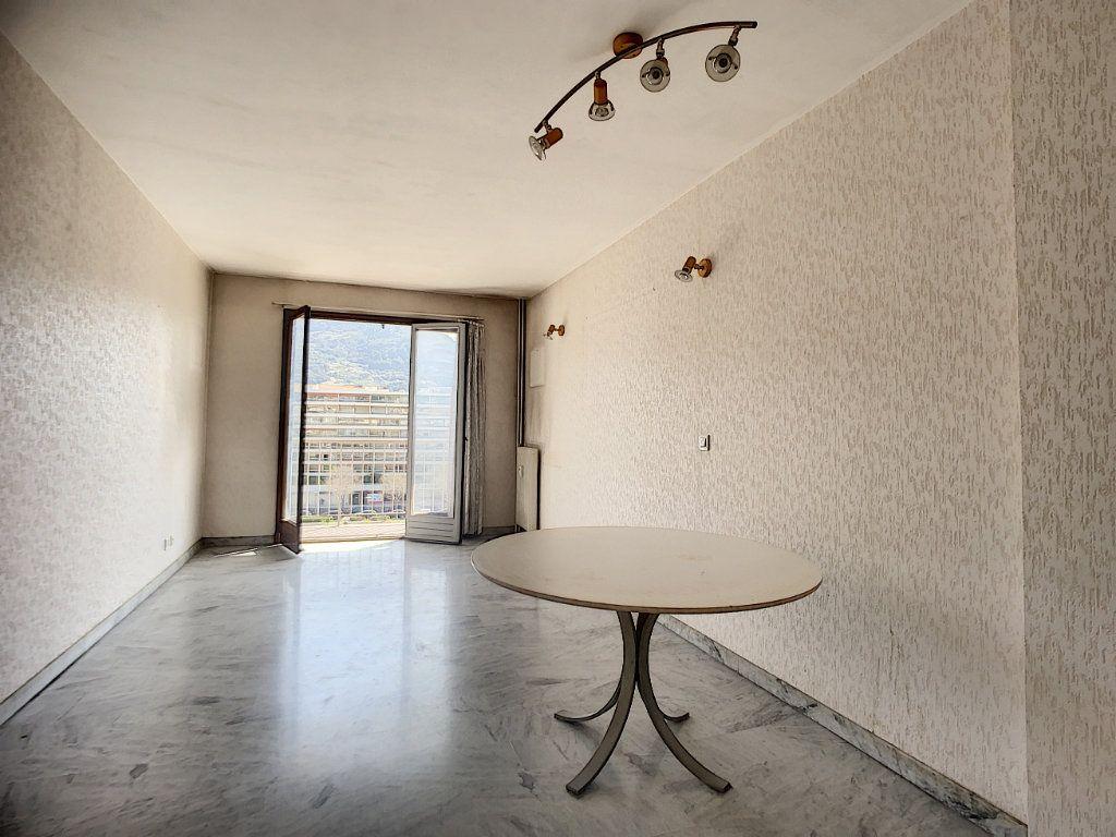 Appartement à vendre 3 67.03m2 à Nice vignette-3