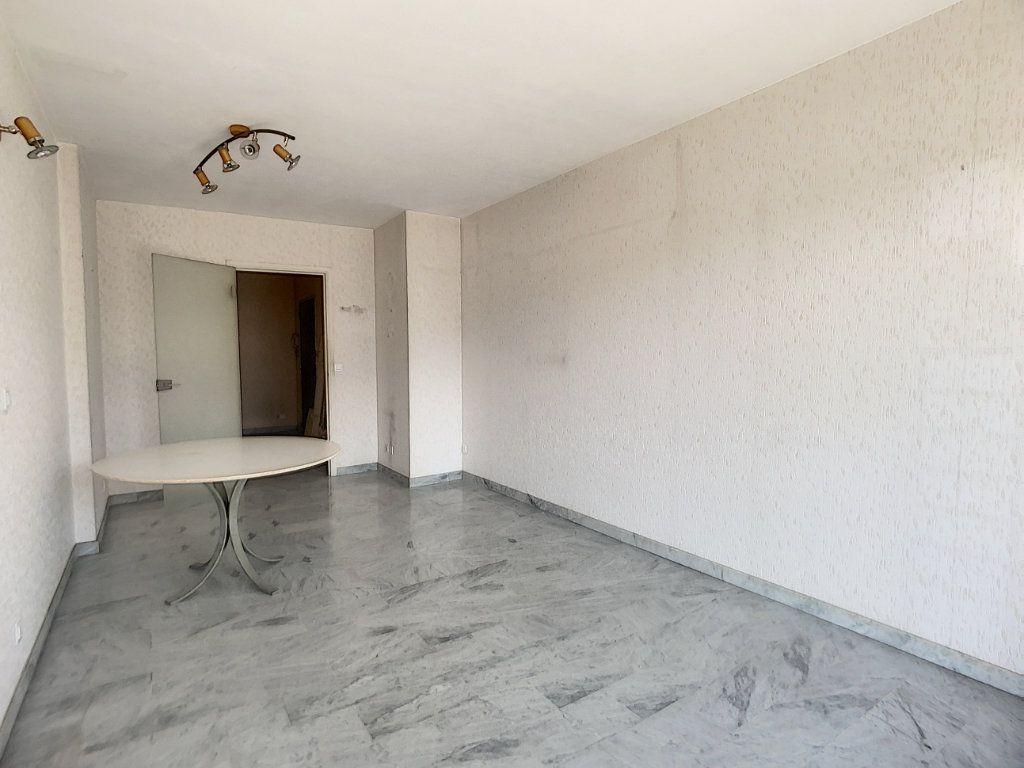 Appartement à vendre 3 67.03m2 à Nice vignette-8
