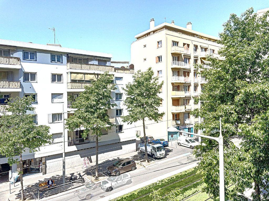 Appartement à vendre 2 41m2 à Nice vignette-3
