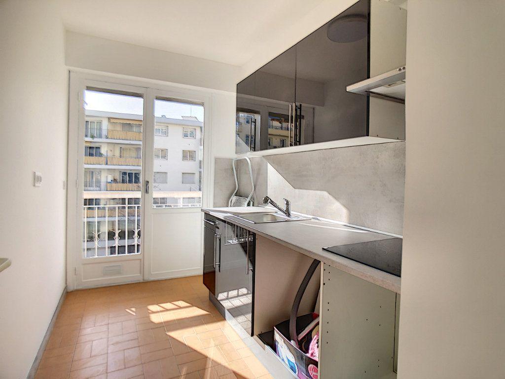 Appartement à vendre 2 41m2 à Nice vignette-5