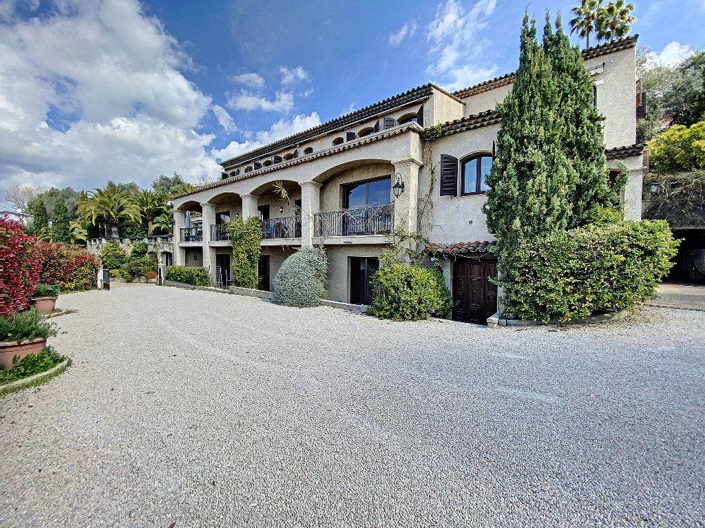 Maison à vendre 12 600m2 à Nice vignette-2