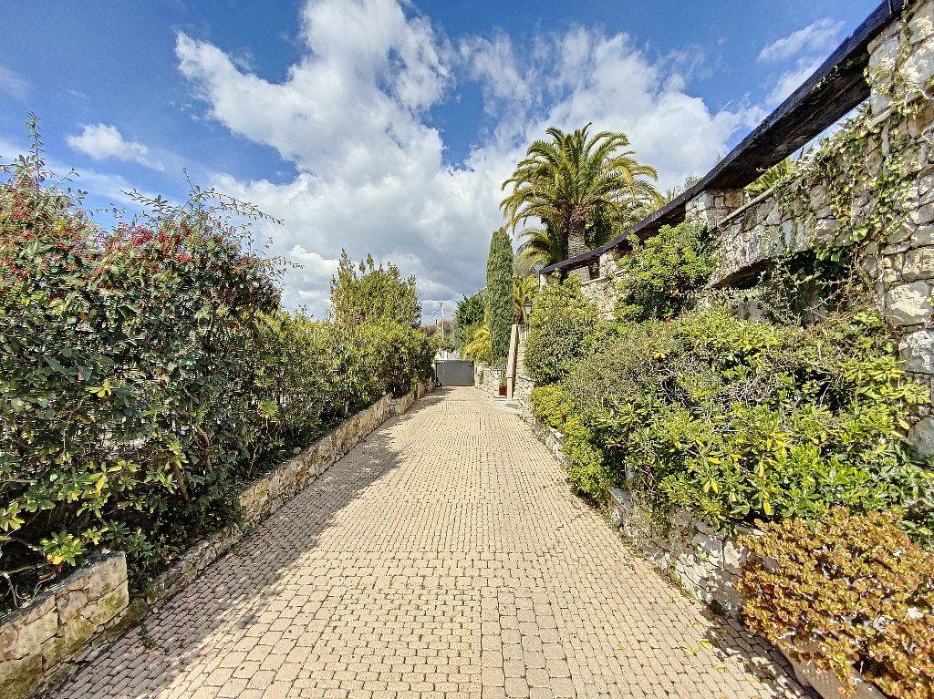 Maison à vendre 12 600m2 à Nice vignette-5