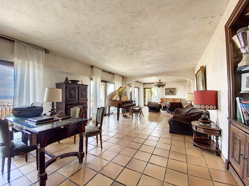 Maison à vendre 12 600m2 à Nice vignette-9