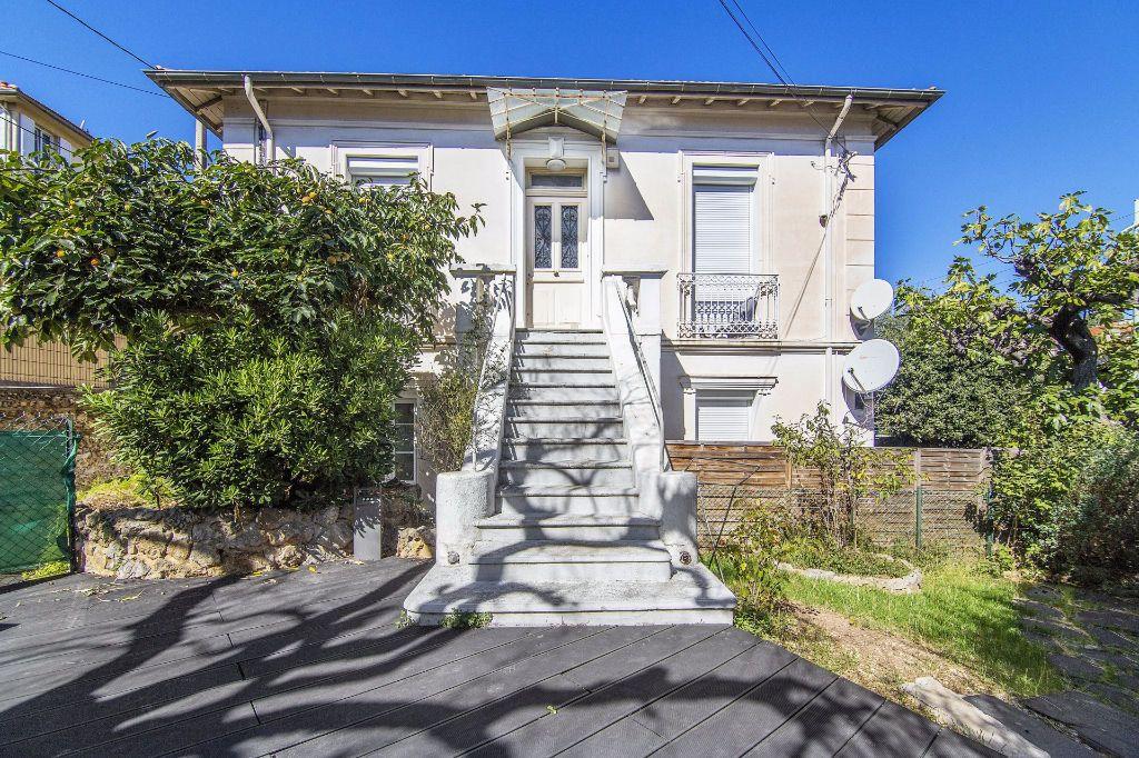 Maison à vendre 8 170m2 à Le Cannet vignette-1