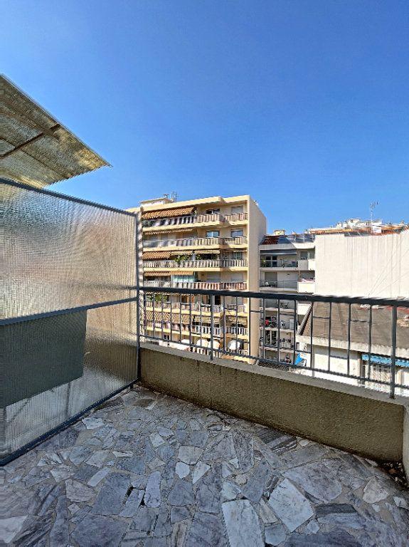 Appartement à louer 2 43m2 à Nice vignette-4