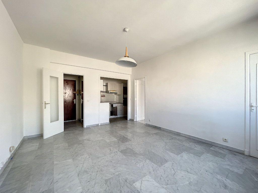 Appartement à louer 2 43m2 à Nice vignette-9
