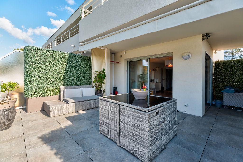 Appartement à vendre 3 70m2 à Nice vignette-2