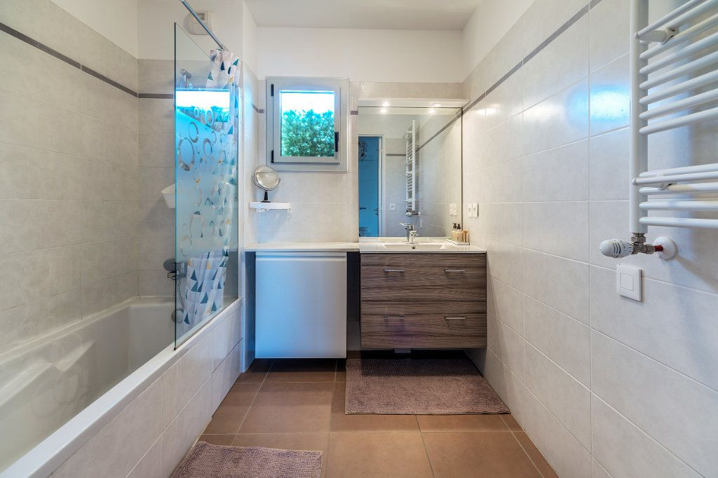 Appartement à vendre 3 70m2 à Nice vignette-8