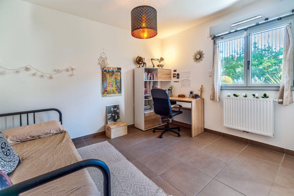 Appartement à vendre 3 70m2 à Nice vignette-9