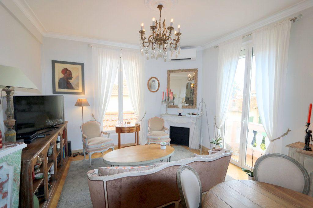 Appartement à vendre 3 62.48m2 à Nice vignette-1