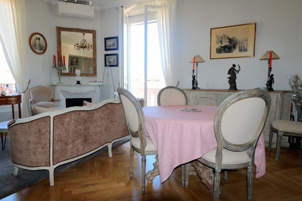 Appartement à vendre 3 62.48m2 à Nice vignette-3