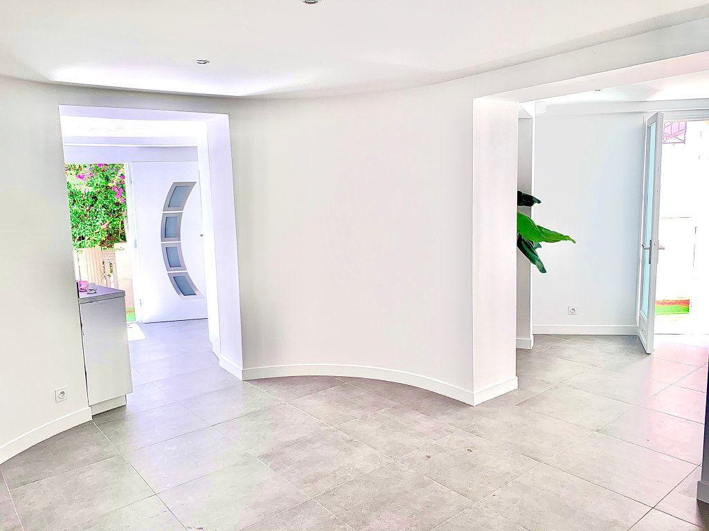Appartement à vendre 3 76m2 à Nice vignette-2